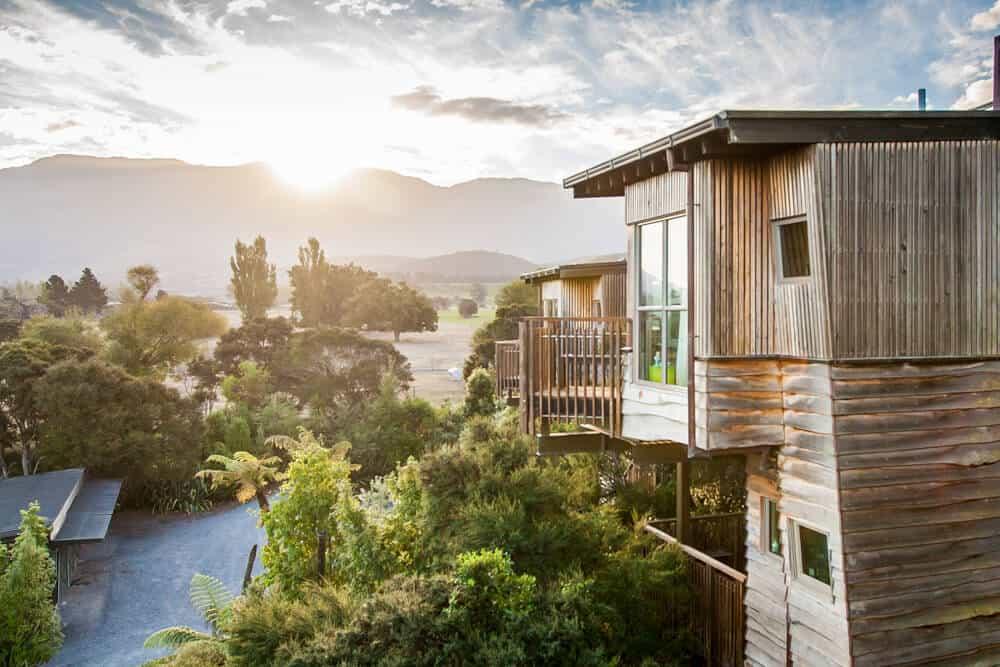 Eco-luxury hotel new zealand